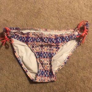 Patterned swim bottoms